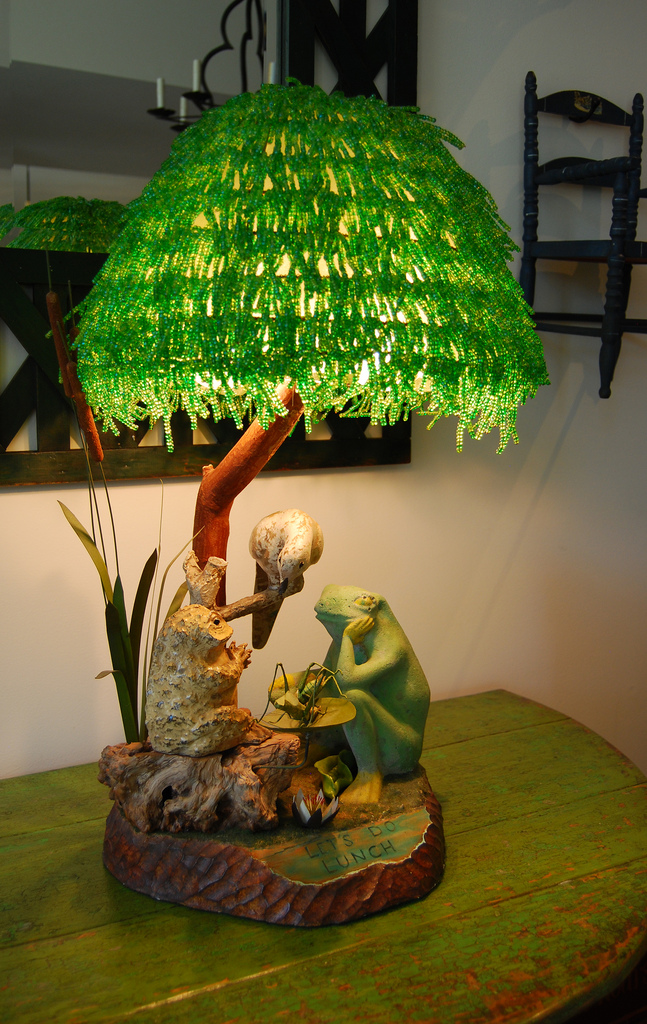 frog-lunch-lamp-2